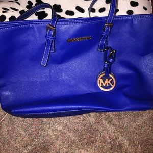Very authentic Michael Kors bag